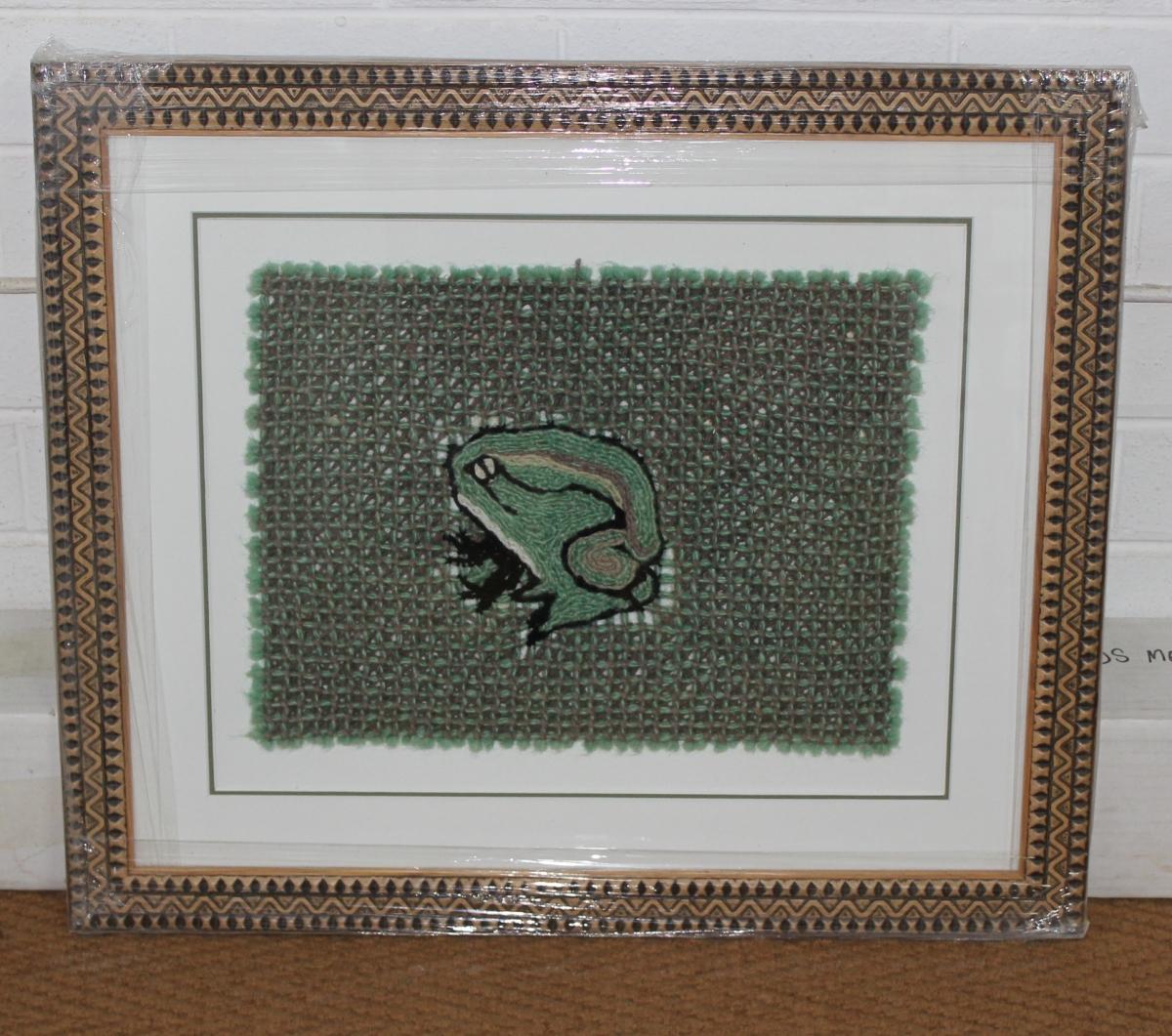 N3TC Weaver Stanley Noxolo frog in frame
