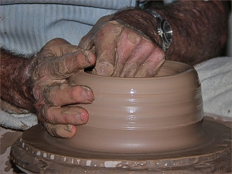 CA-002-0847275-Potters hands-702-M702_S